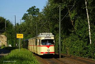 (D) Düsseldorf: DÜWAG GT8 2653 mit B4 1653 auf der Linie 712 in Richtung Volmerswerth in der Nähe der Haltestelle Ratingen, Felderhof
