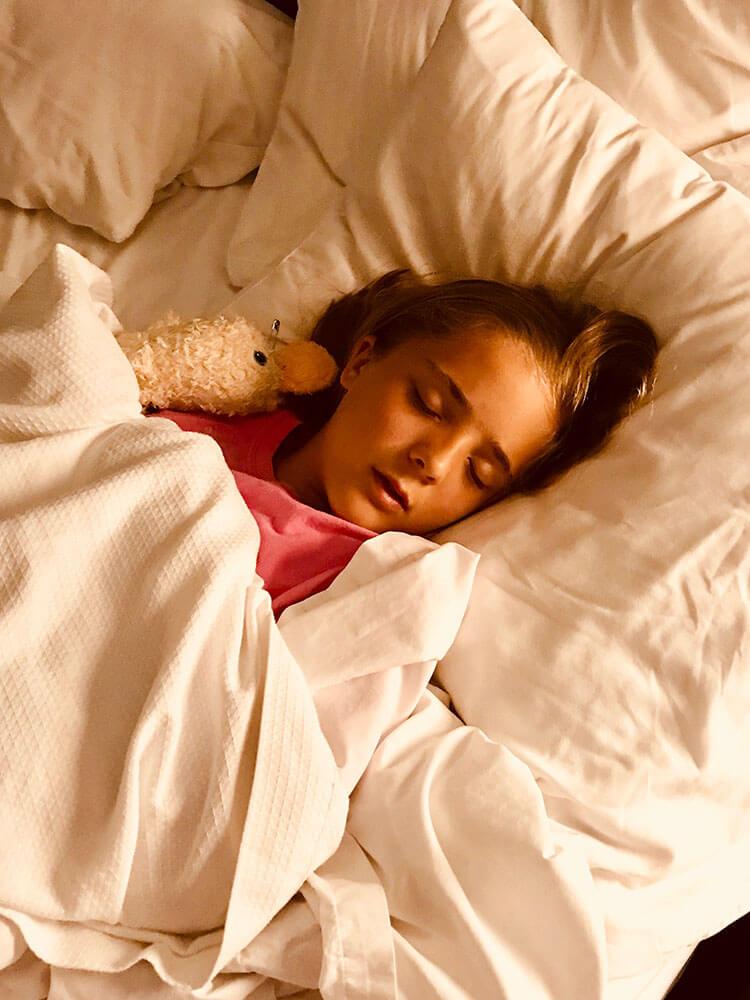 Pantau tidur anak Anda