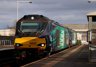 Class 68: 68005 + Class 88: 88001 Direct Rail Services Metro Centre