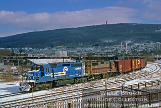 SD40-2 & a GP35 leading a freight through Reading, PA on January 15th 1978