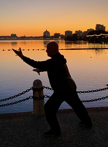 adamspoint taichi californiastreet lake lakemerritt oaklandmuseum reflection silhouette sundown sunset