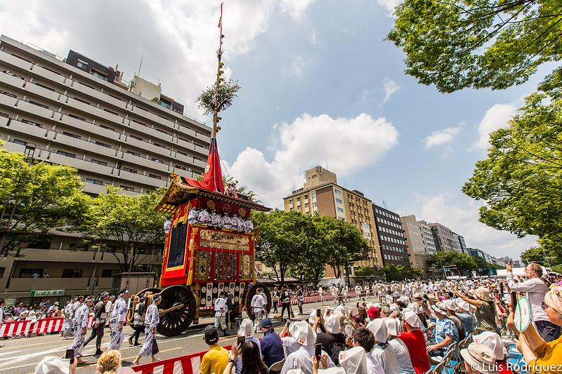Desfile de carrozas del festival