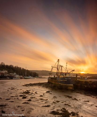 galmptoncreek longexposure nikond7200 riverdart fishingboat sunset devon englishriviera outside clouds water sky sun landscape