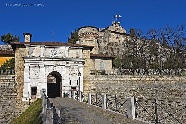 Brescia, il Castello - Portale d'accesso