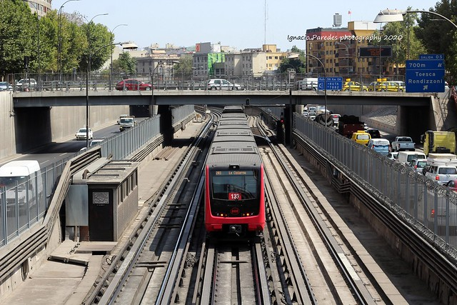 Metro de Santiago Interestación Santa Ana Los Héroes Tren Alstom NS2016📷😊🚄