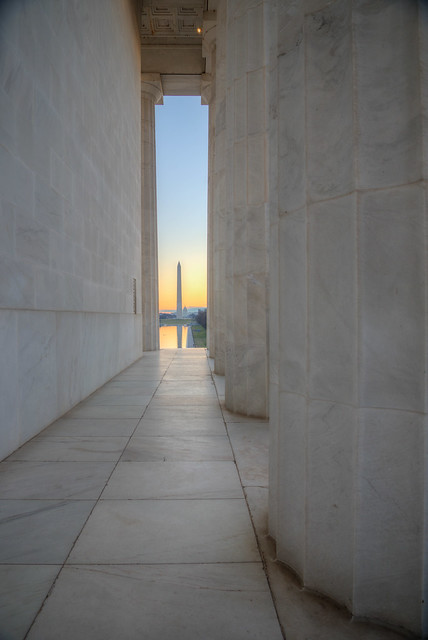 Dawn at the Lincoln Memorial