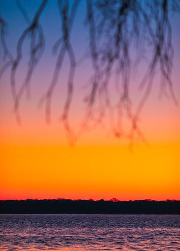 madison wisconsin unitedstatesofamerica sunrise morning vertical lakemonona canoneos5dmarkiv canonef135mmf2lusm nopeople outdoors