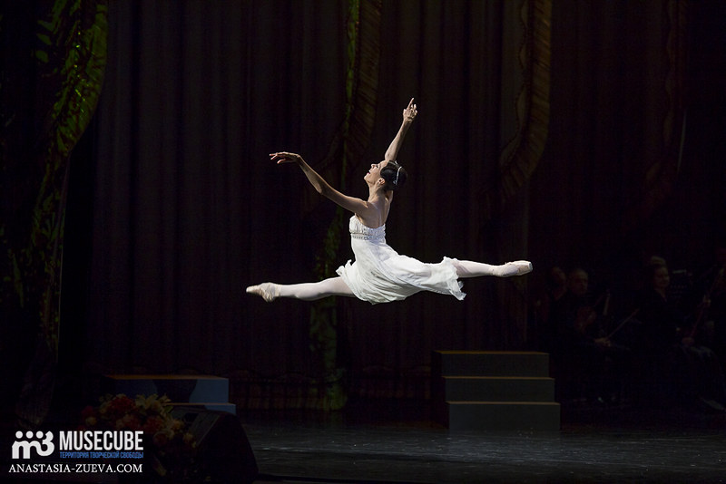 Teatralnoe_defile_Yudashkina-036