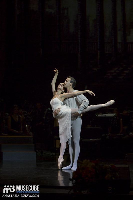 Teatralnoe_defile_Yudashkina-029