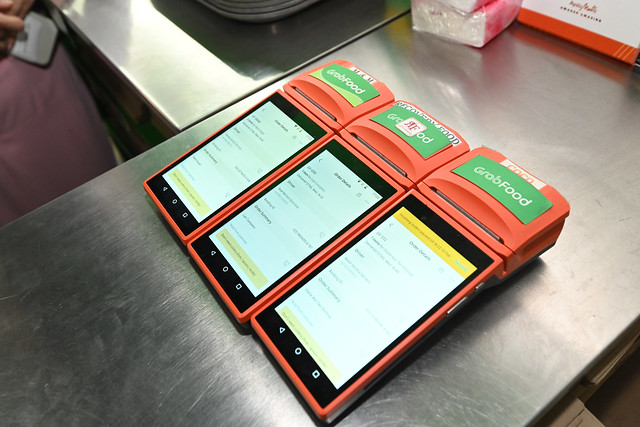 Consumers within a 3 km radius can mix and match orders from the 6 GrabKitchen merchants by ordering on the Grab app