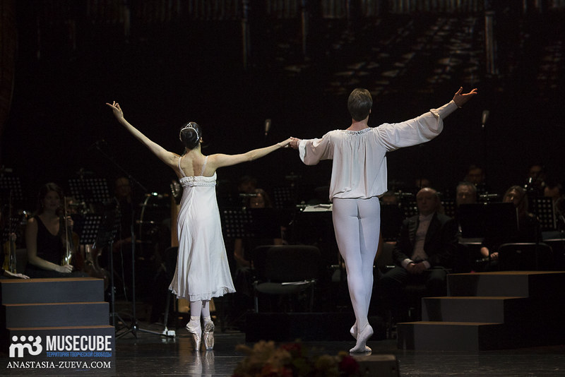 Teatralnoe_defile_Yudashkina-038