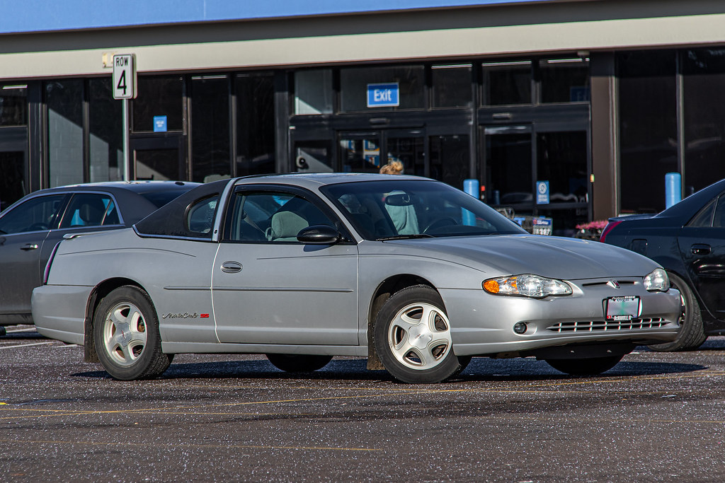 2003 chevrolet monte carlo shot at approximately 248mm 35 flickr flickr