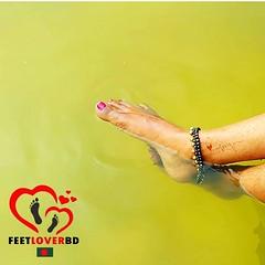 water diving feet