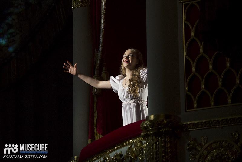Teatralnoe_defile_Yudashkina-019