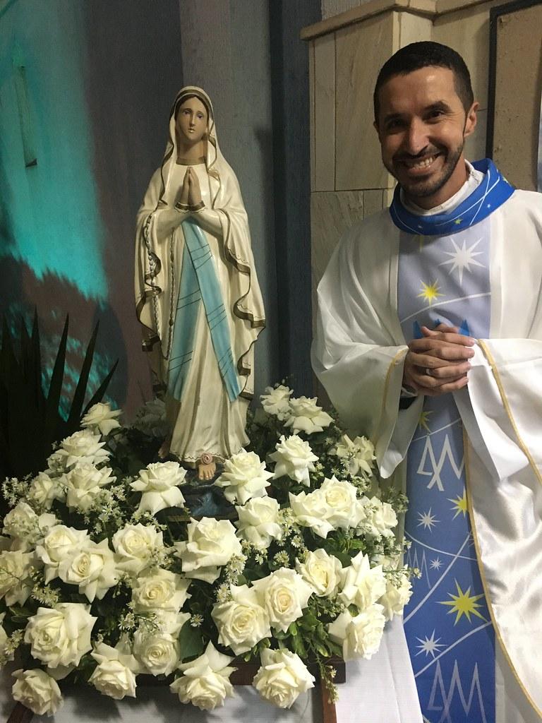 Novena em preparação ao Dia de nossa padroeira, Nossa Senhora de Lourdes