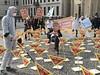 Protestaktion gegen Aufhebung des Landminenverbotes durch die USA