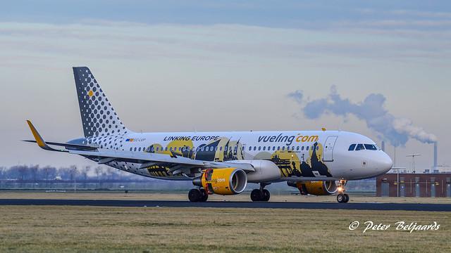 EC-LVP   Airbus A320-200 - Vueling