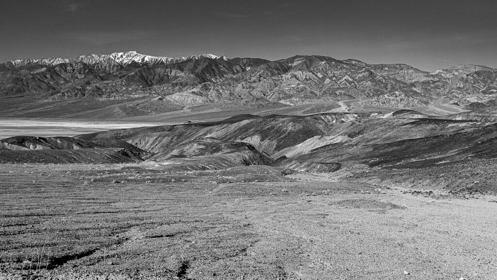 Death Valley 49552144753_fe6e7e802f_b