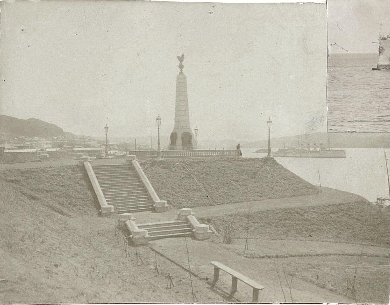 Владивосток. Памятник адмиралу Г. И. Невельскому