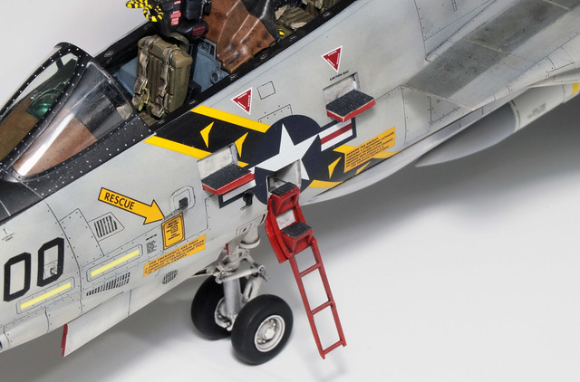 Tamiya-F-14A_007