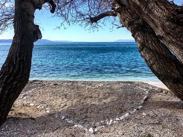 I think someone made his valentine present on the beach last week, photo taken in Zivogošće, Croatia