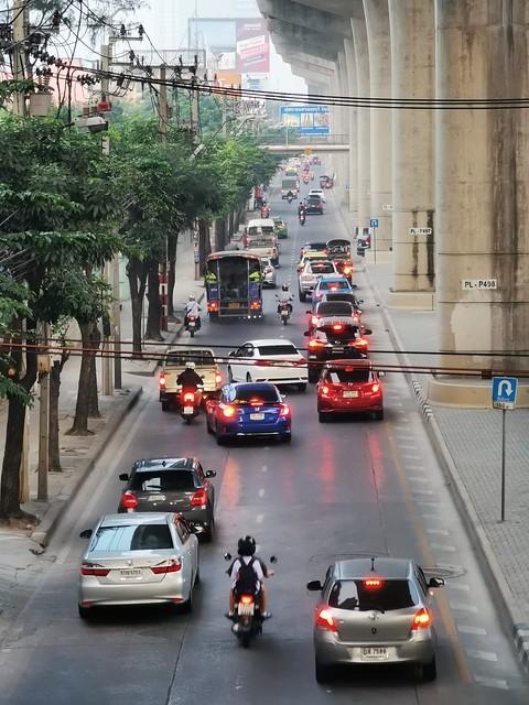 Krungthep-Nonthaburi-Road near MRT Station Wong Sawang Bangkok Thailand Southeast-Asia © Südost-Asien ©