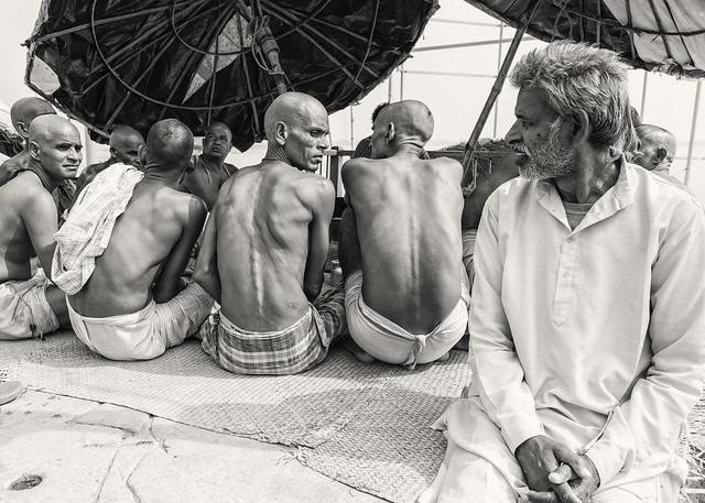 odd man out, Varanasi