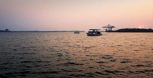 bolgatty island kochi palace keralatourism sunset sundown boat seascape samsung s7 galaxy cameraphone