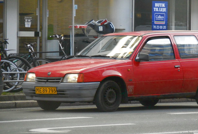 Lucky quick shot when surprised by this passing me  - now rare 1990 Opel Kadett ME89793 still on the roads of Denmark