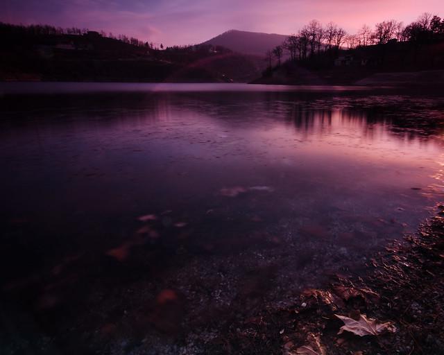 Late sunset on Bor lake