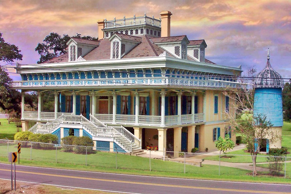 San Francisco Plantation:-  Reserve - Louisiana - Historic Antebellum - United States