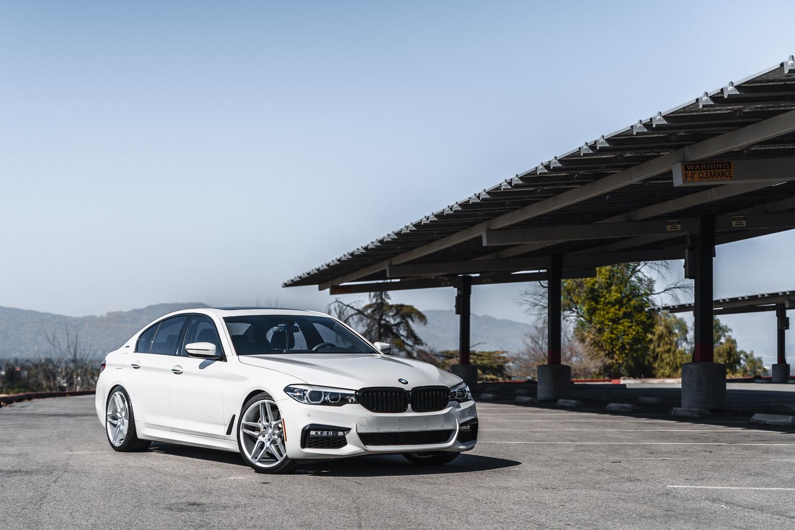 2018_BMW_530_E_Drive_BD17_5_Silver_2