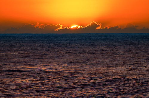 haleiwa hawaii hawaiʻi kamehamehahighway northshore oahu oʻahu pacificocean sharkscove sunsetbeach clouds ocean orangesky sky sunset water unitedstatesofamerica