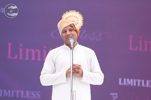 Vinod Kumar presented speech in Hindi