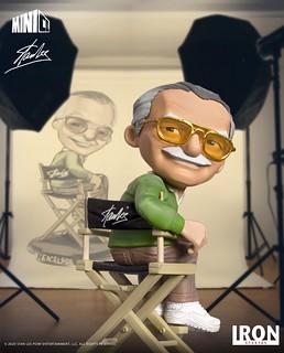導演椅上的漫威之父Q版立體化! Iron Studios Minico 系列【史丹·李】Stan Lee 全身雕像