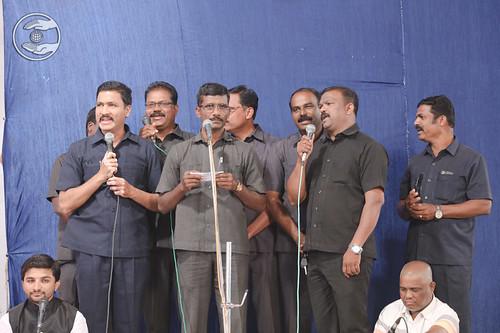 Devotional song by Vijay Thakur Ji and Saathi from Mumbai