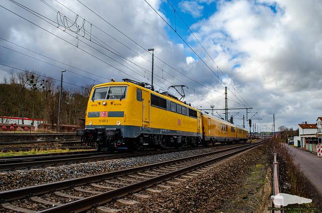 111 059-2 mit Messzug durch Eisenach am 18.02.2020