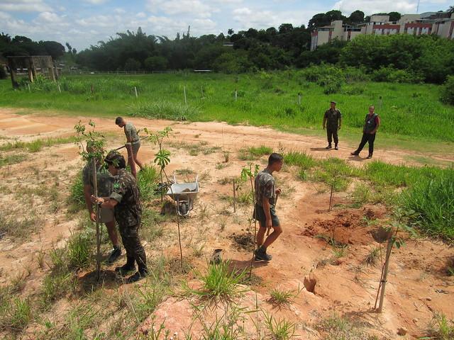 19/02/20. Ações conjuntas entre a Prefeitura e o Exército Brasileiro resultam no plantio de quase 3 mil mudas nativas em Belo Horizonte
