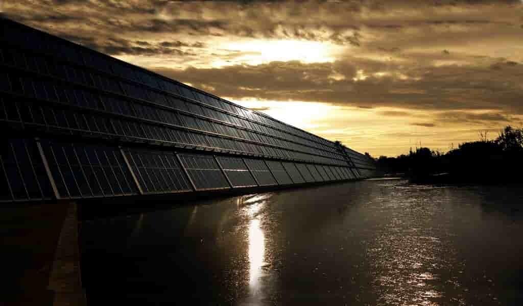 des-points-quantiques-pernmettent-aux-cellules-solaire-de-produire-plus-efficacement-électricité