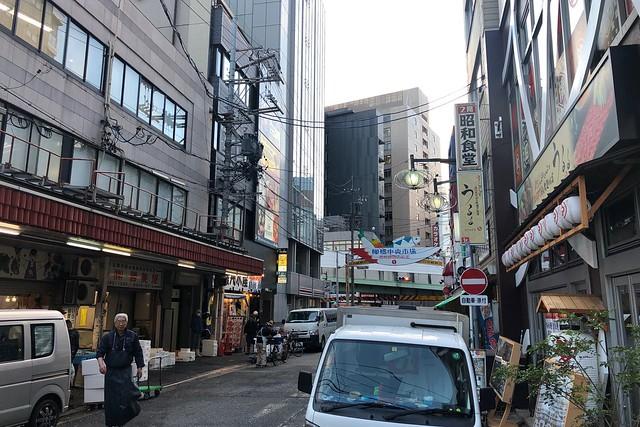 一泊二日名古屋飲み食い旅(5)〜柳橋中央市場で朝呑み