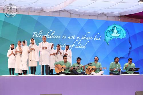 English song by Taran Kathekar Ji and Sathi, Kandivali MH