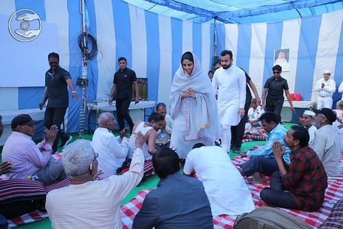 Satguru Mata Sudiksha Ji Maharaj greeting Senior Citizens