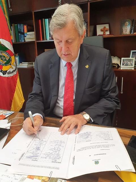 18/02/2020 Assinatura pedido de urgência - PEC da Prisão em Segunda Instância