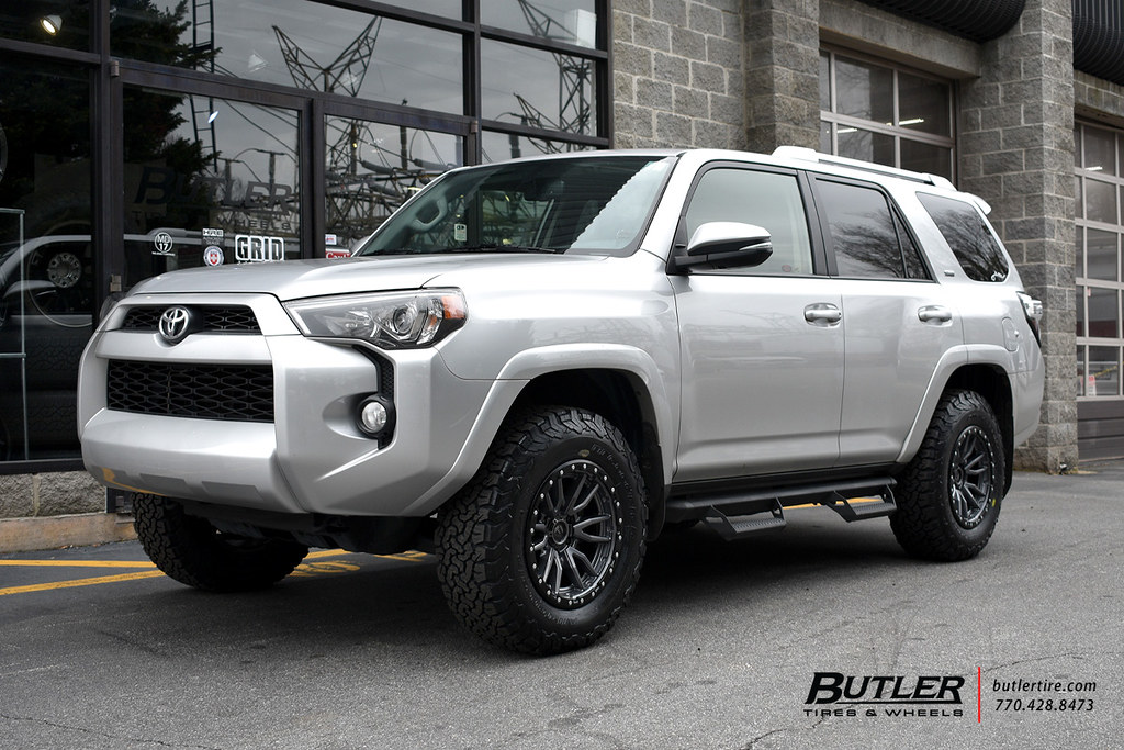 Lifted Toyota 4runner With 17in Fuel Nitro Wheels And Bfgo Flickr