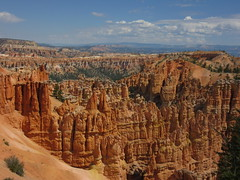 View from the Peek-a-boo trail in bryce Canyon