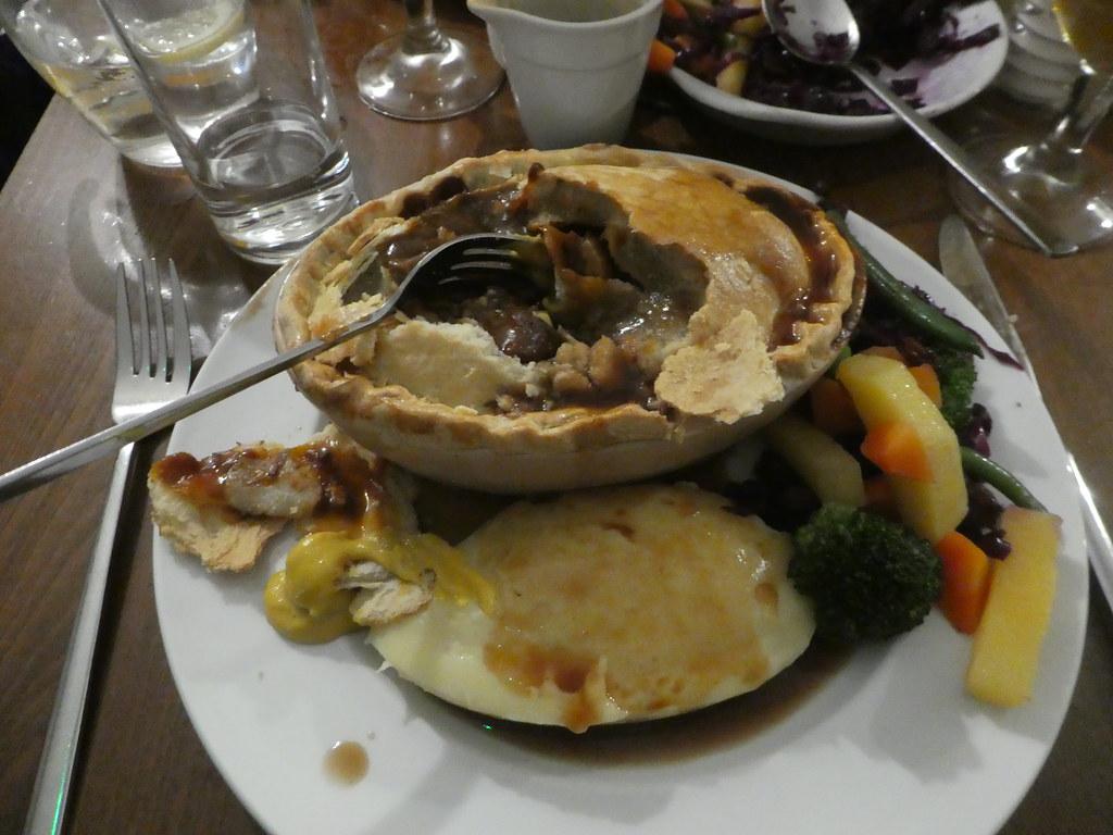 Browns Pie Shop Steak and Kidney Pie, Lincoln
