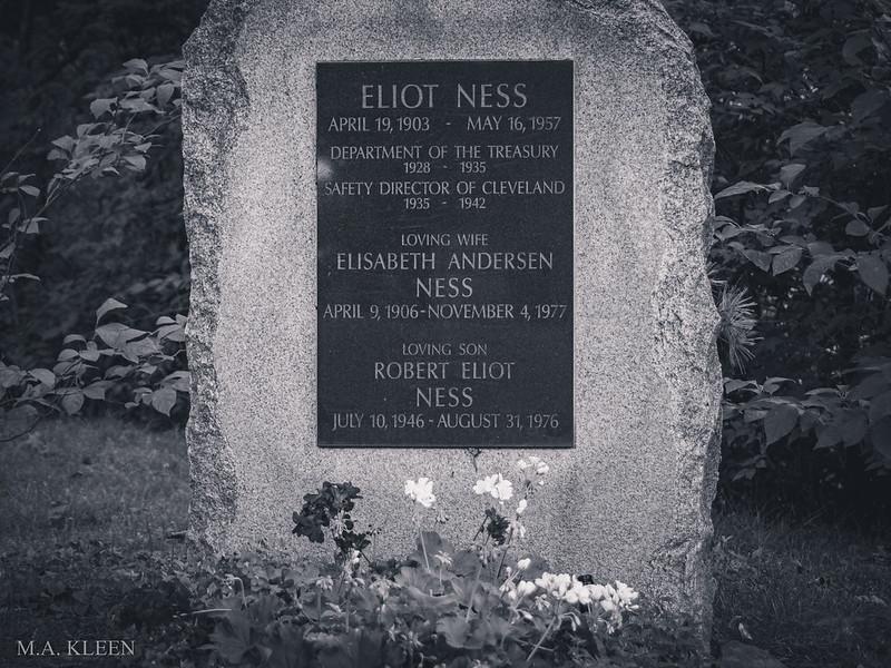 Eliot Ness (1903–1957)