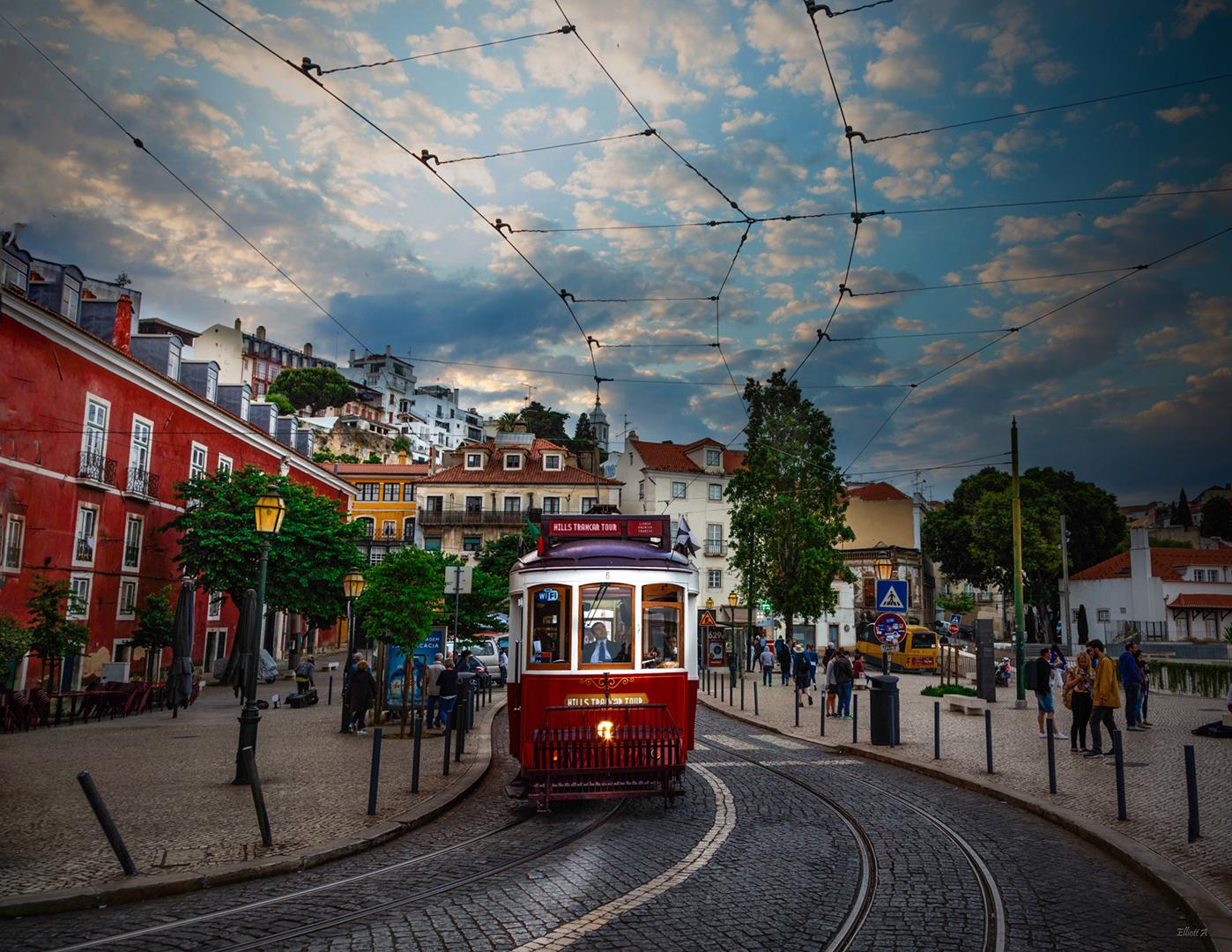 Club photo LaSalle_Le tram du quartier Alfama, Lisbonne_Alain Elliott