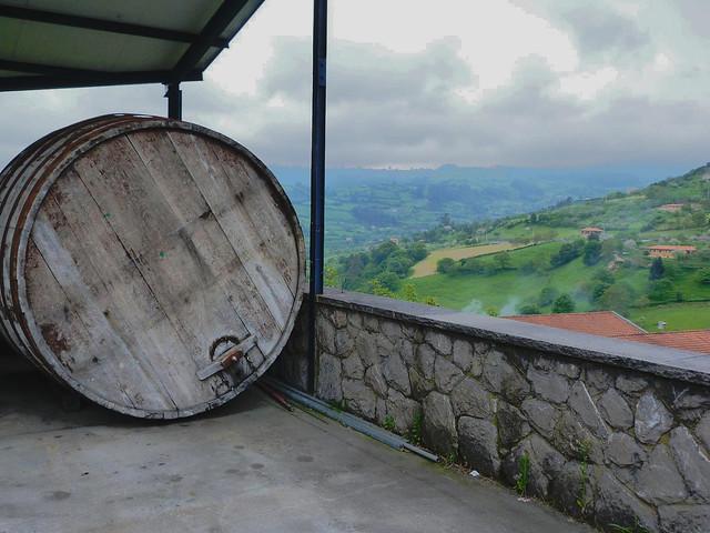 Barrica de Sidra de Casa Trabanco y el Valle de Lavandera (Gijón)