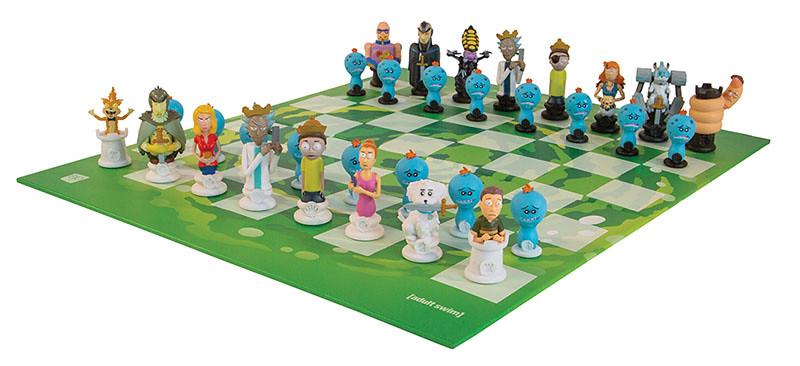 來場跨次元的宇宙爭霸戰吧! Usaopoly × Adult Swim《瑞克與莫蒂》主題西洋棋組 Rick and Morty™ Collector's Chess Set